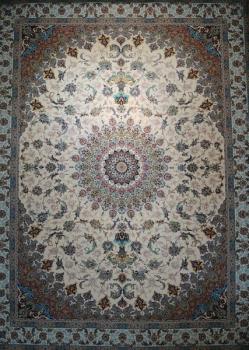 فرش ۱۲۰۰ شانه طرح اصفهان زمینه کرم