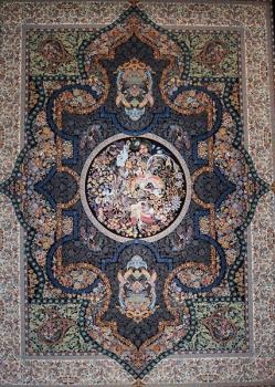 فرش ۱۲۰۰ شانه طرح سیمرغ زمینه سرمه ای