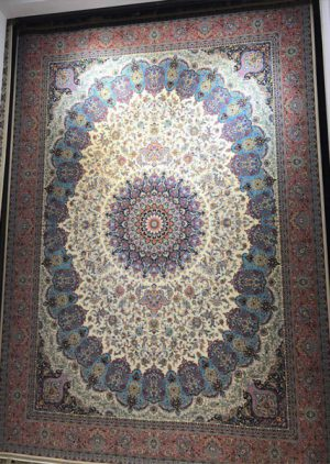 فرش ۱۲۰۰ شانه طرح پارسیس زمینه کرم