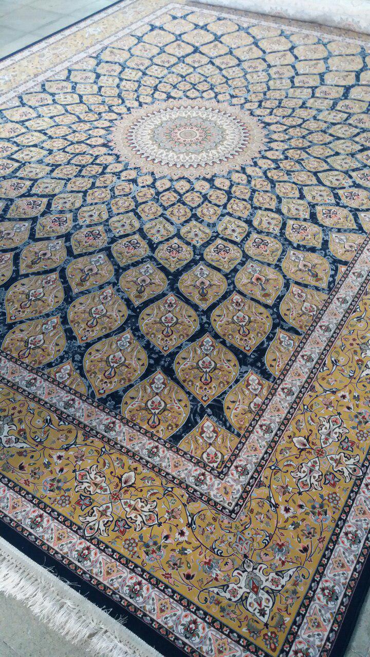 فرش 1500 شانه طرح گنبد زمینه سرمه ای خاطره کویر کاشان