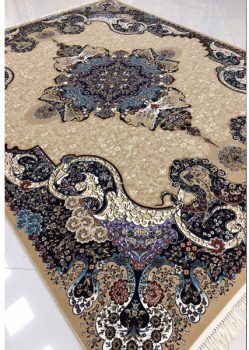 فرش ماشینی ۷۰۰ شانه طرح الی زمینه بادامی