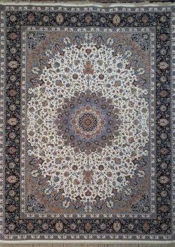 فرش طرح نائین زمینه کرم حاشیه سرمه ای نیاوران کاشان - 1200 شانه - کد 3607